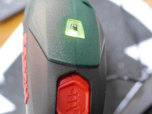 ボッシュIXO5-充電ランプ