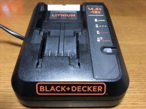 ブラックアンドデッカー-充電器03